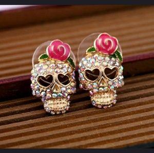 Jewelry - Skull crystal rose earrings